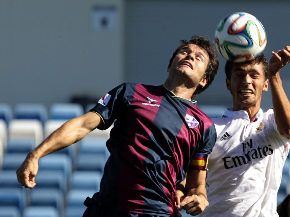 Camacho, la temporada pasada contra el Real Madrid Castilla