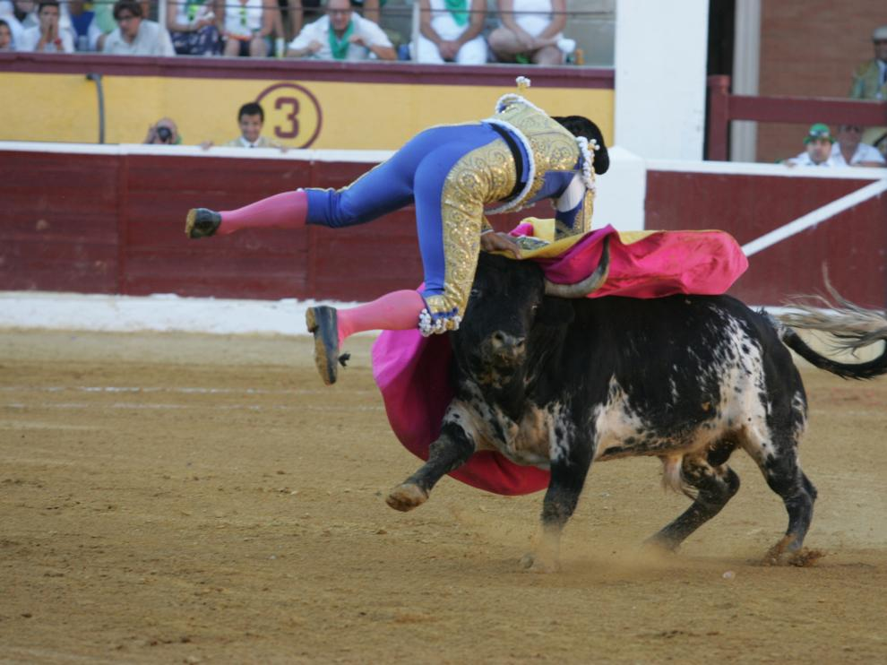 Cogida de Fran Rivera en Huesca