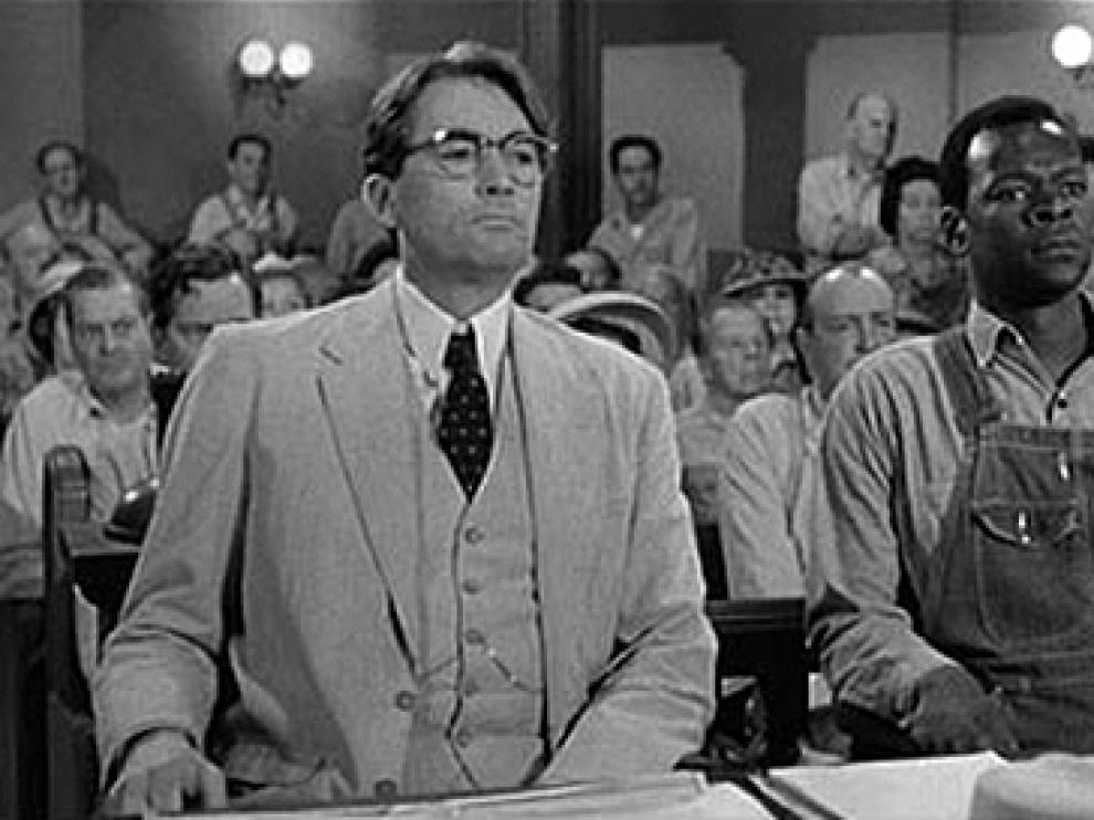 Fotograma de la película 'Matar a un ruiseño', protagonizada por Gregory Peck y Brock Peters.