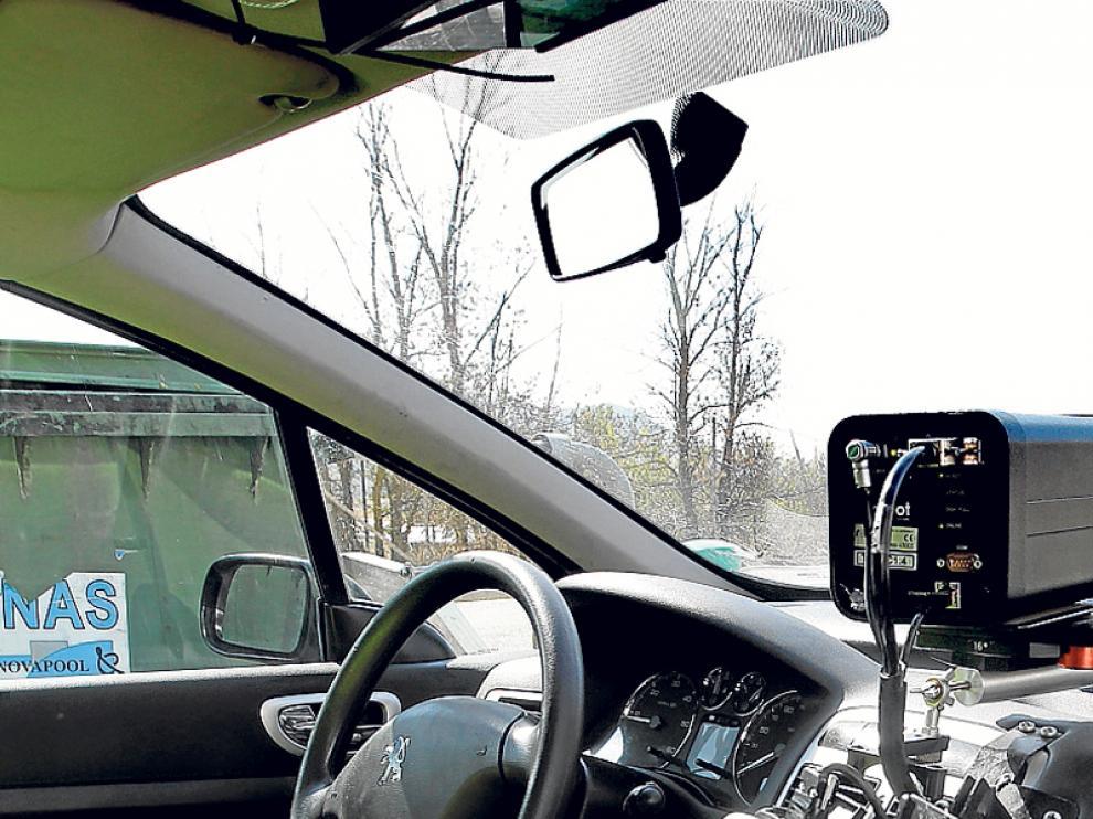 Imagen de archivo de un radar en un coche camuflado.