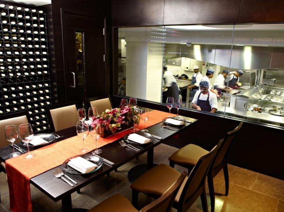 Cocina de su restaurante Benares Londres, homólogo al que abrirá en Madrid.
