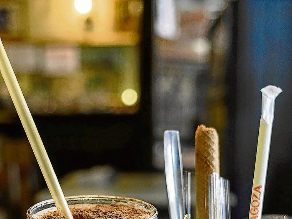 La leche merengada, especialidad del Café de Levante.