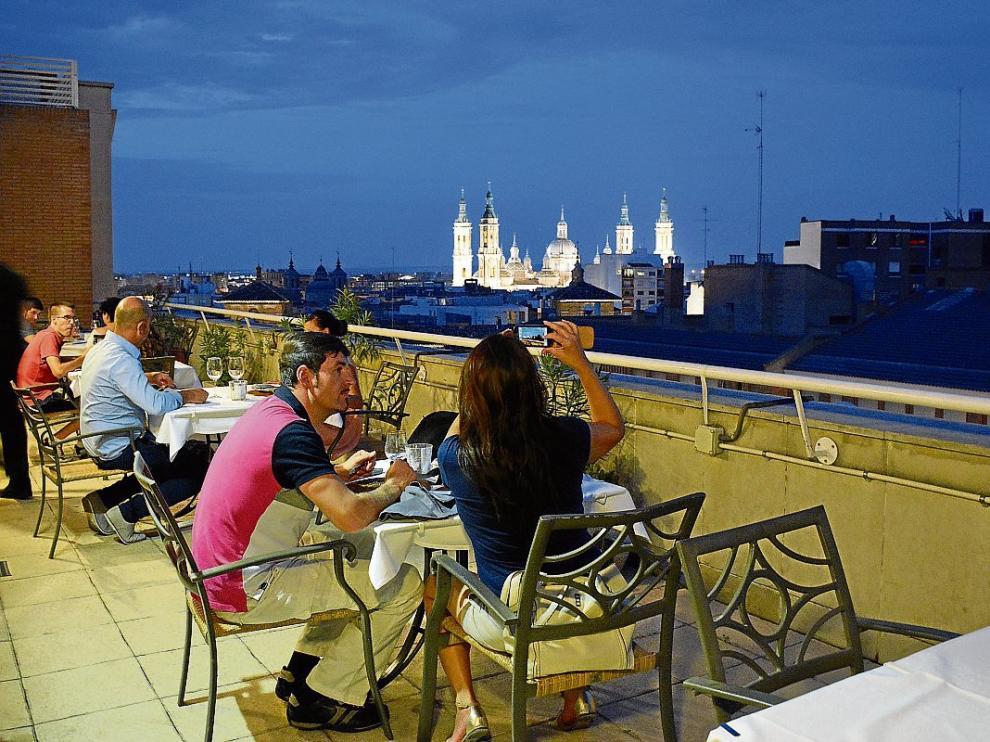 Cenas Con Encanto Desde Las Alturas Del Lounge Van Gogh