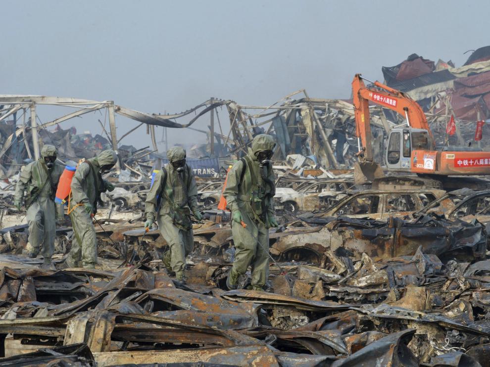 Continúan los trabajos para neutralizar los residuos de cianuro de sodio en la zona donde tuvieron lugar las explosiones.