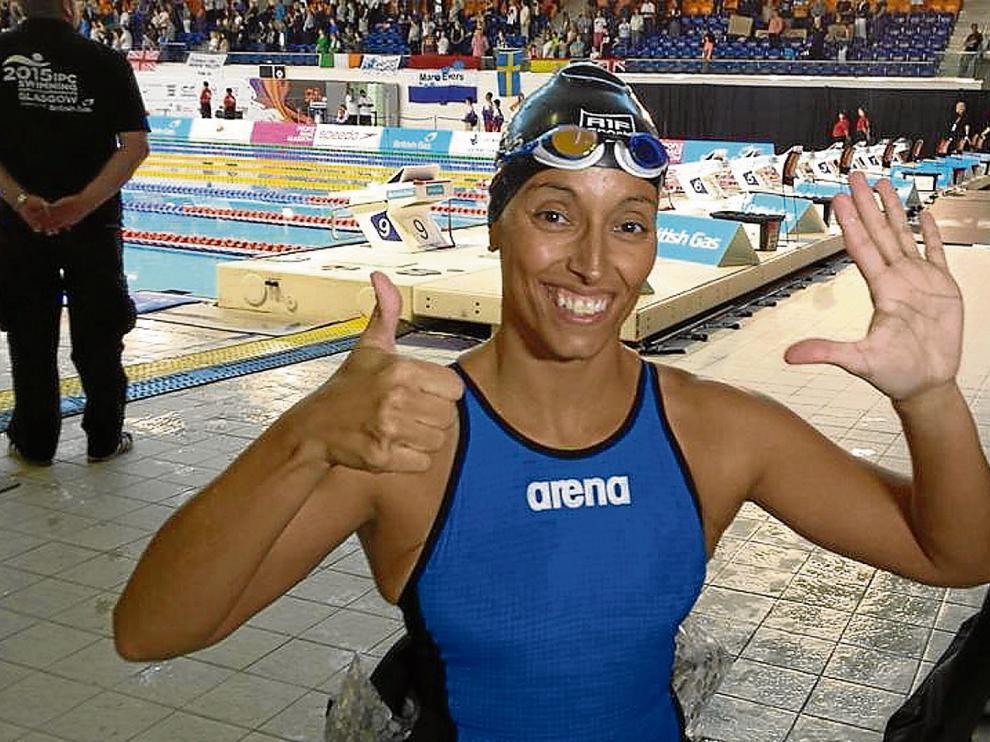 Teresa Perales, radiante tras haber logrado ayer el oro en 100 metros libre que suponía su sexto metal mundialista.