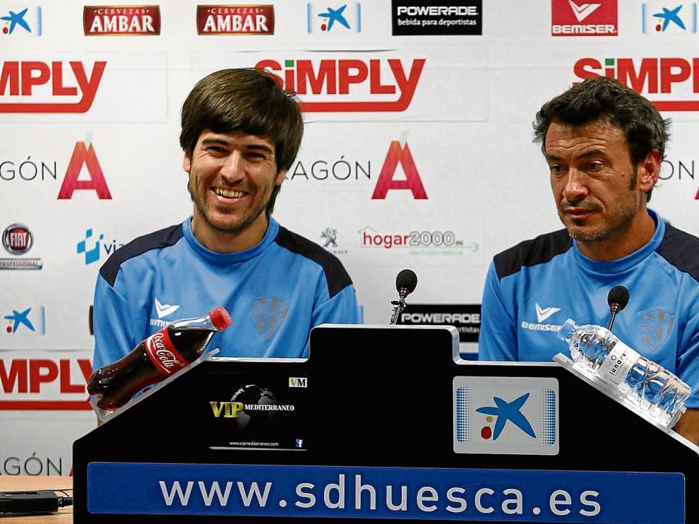 Víctor Fortes, a la izquierda, es el nuevo preparado físico, mientras que Jesús Galván llega como segundo entrenador.