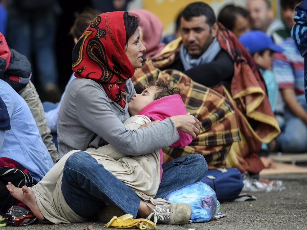 Inmigrantes en la frontera de Macedonia con Grecia