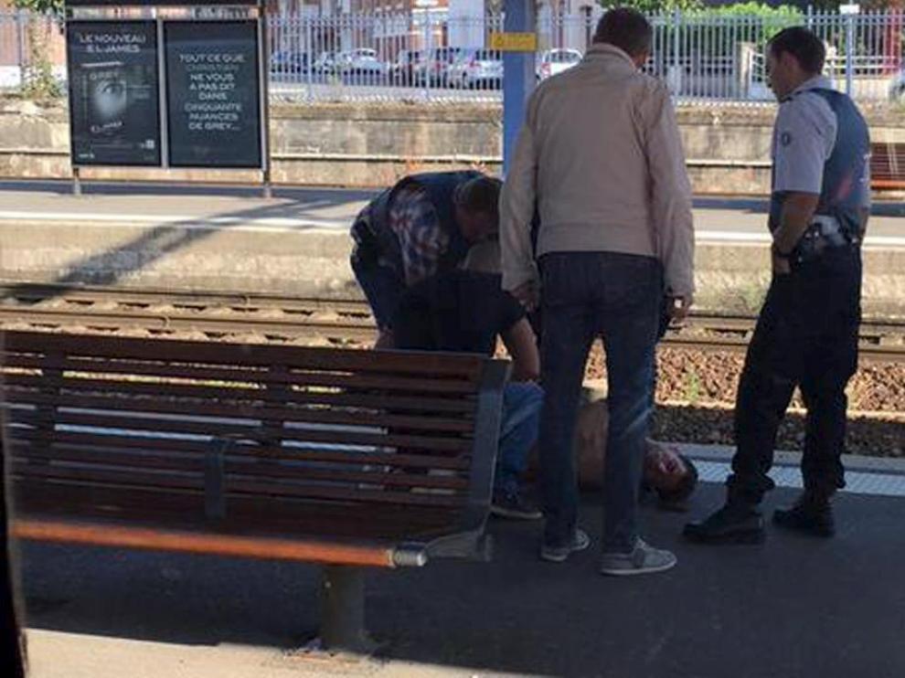 La policía francesa inmoviliza al detenido