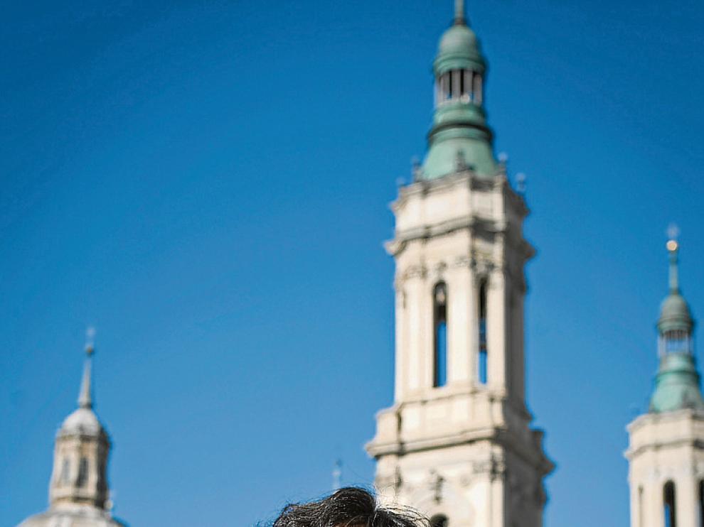 Carmen París fotografiada recientemente en la plaza del Pilar.