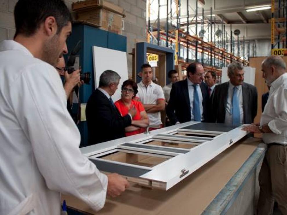 Imágenes de la visita de Jesús Posada a la fábrica de Norma Doors