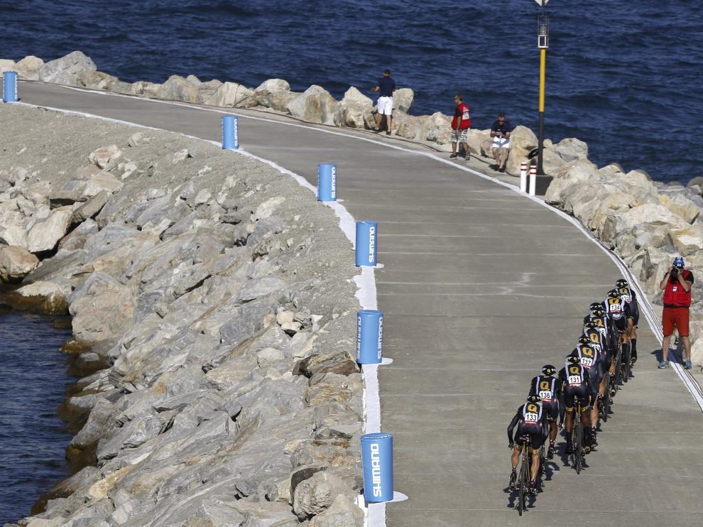 Arranca la Vuelta en el albero de Puerto Banús