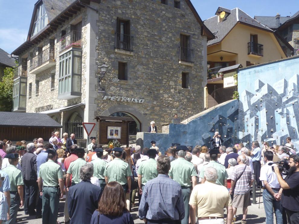 Sallente volvió a rendir homenaje este semana a los dos guardias civiles asesinados por ETA en agosto 2000.