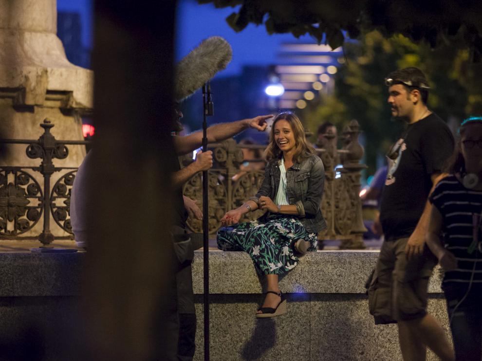 Michelle Jenner, en el rodaje de 'Nuestros amantes' en Zaragoza.