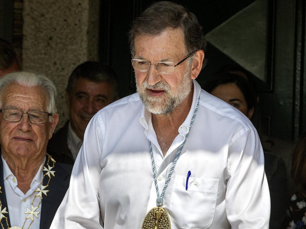 Mariano Rajoy durante su nombramiento como Caballero de la Real Orden Serenísima de la Alquitara.
