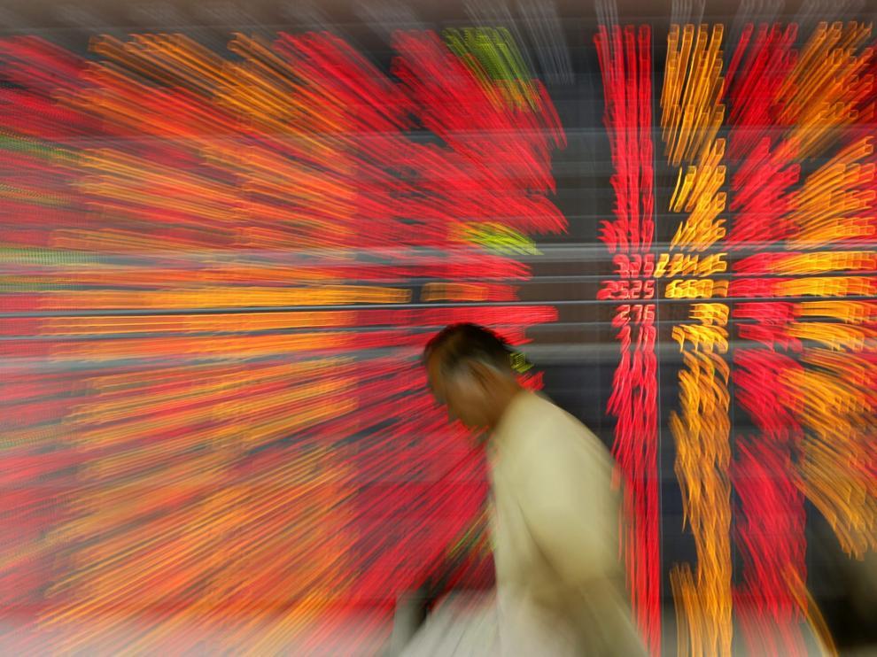 La bolsa española registra la mayor caída en tres años al perder el 5%