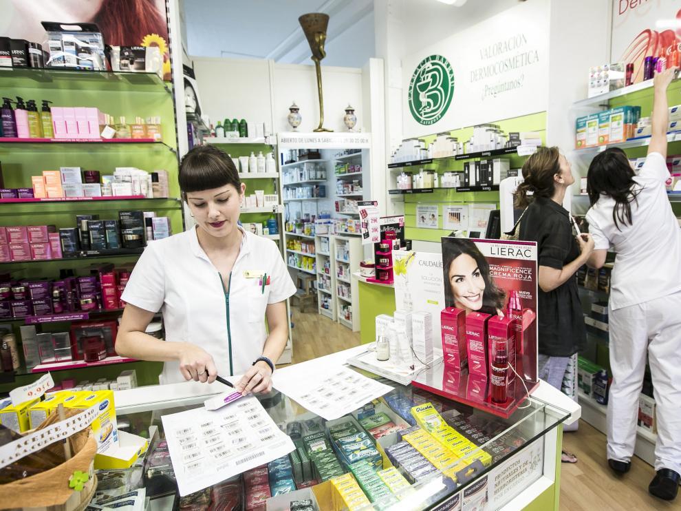 Un total de 14 farmacias de la provincia participan en un programa de mejorar el uso de los medicamentos.