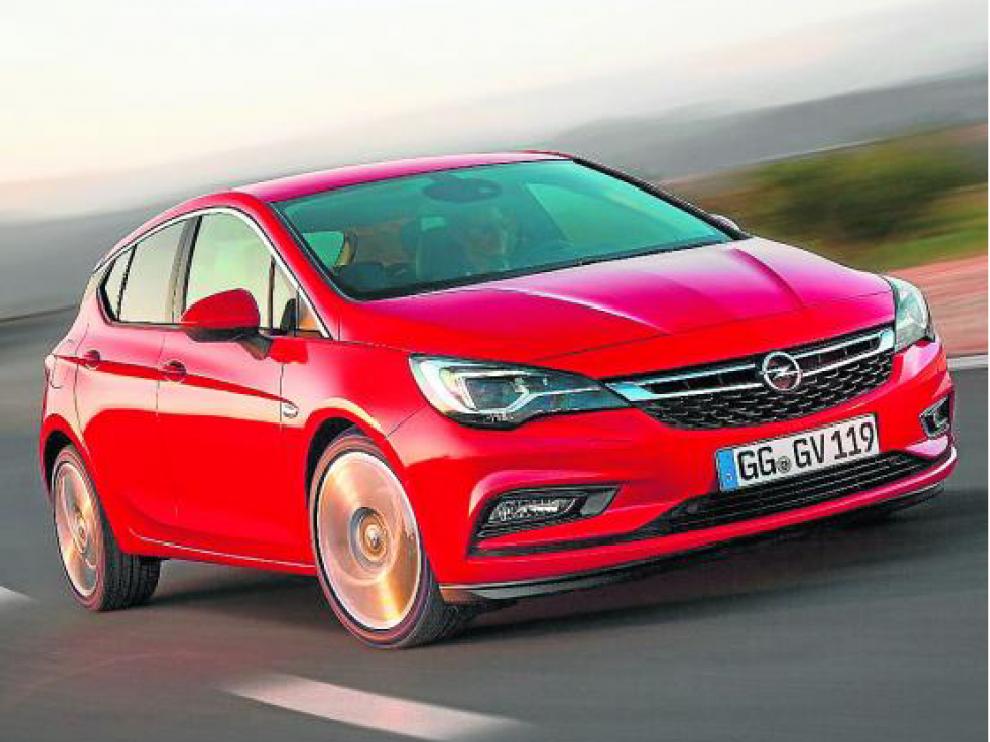 El nuevo Opel Astra destaca por su diseño deportivo y aerodinámico.