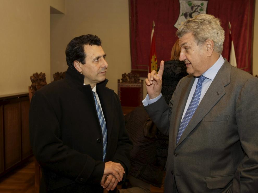 El diputado socialista por Soria, Félix Lavilla, (i) junto al presidente del Congreso de los Diputados y diputado del PP por Soria, Jesús Posada, en una imagen de archivo.