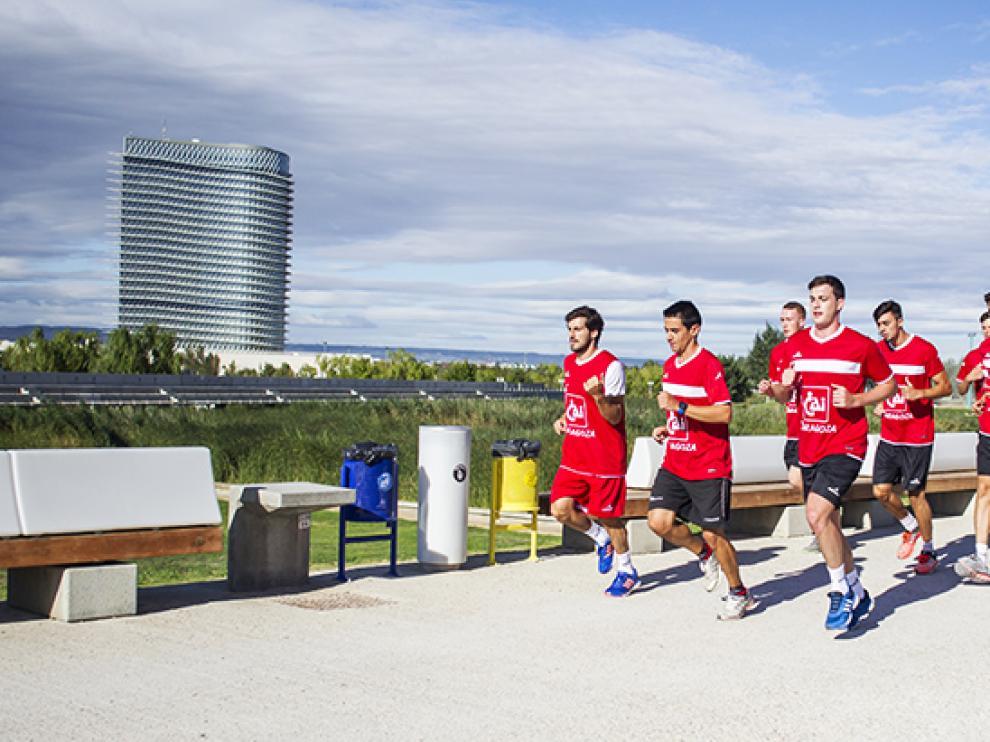 Los jugadores corren por la zona de la Expo