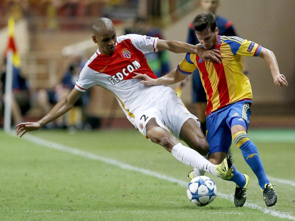 Partido clasificatorio a la Liga de Campeones de la UEFA en el estadio Louis II de Monte Carlo.