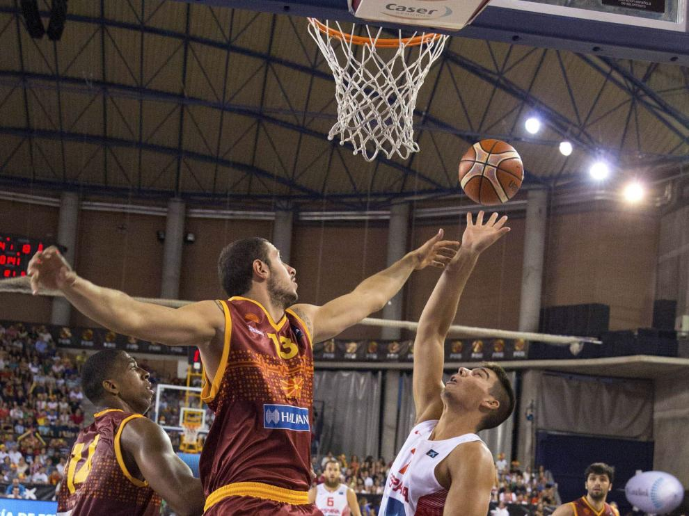 España contó con una buena actitud defensiva y juego colectivo en su partido contra Macedonia.