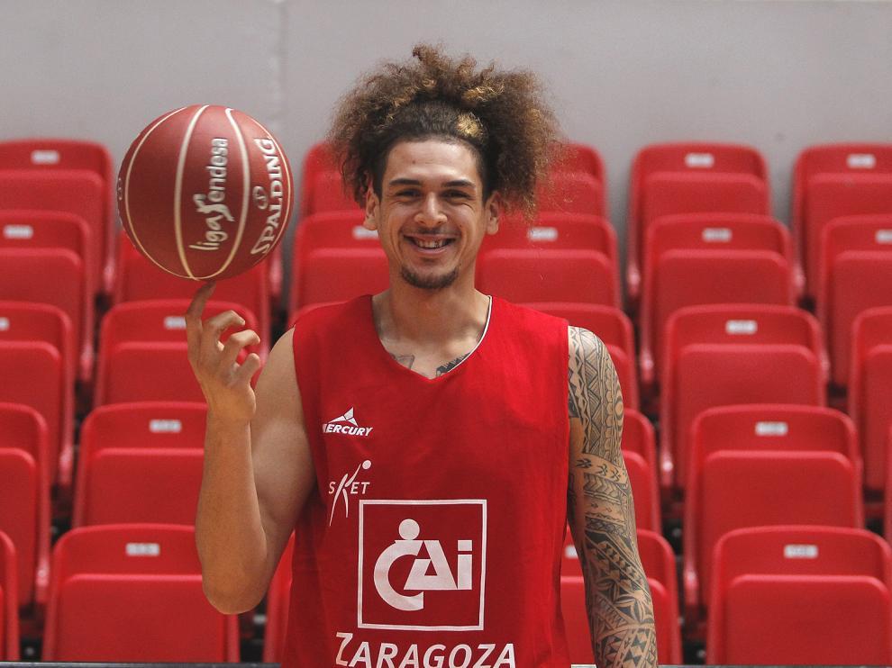 Isaac Fotu ya está en Zaragoza