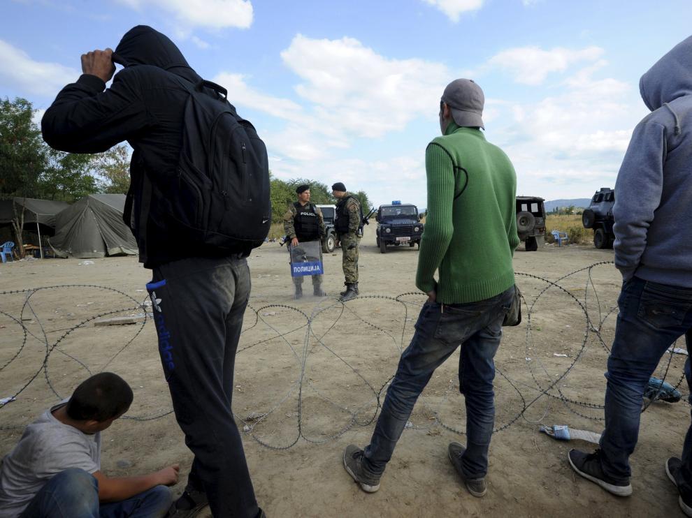 Varios inmigrantes han partido de la frontera sur de Macedonia.