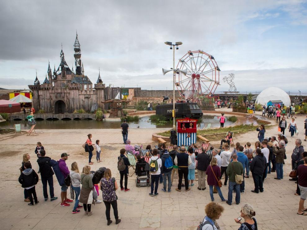 Más de 1.300 euros por una entrada al parque 'Dismaland'