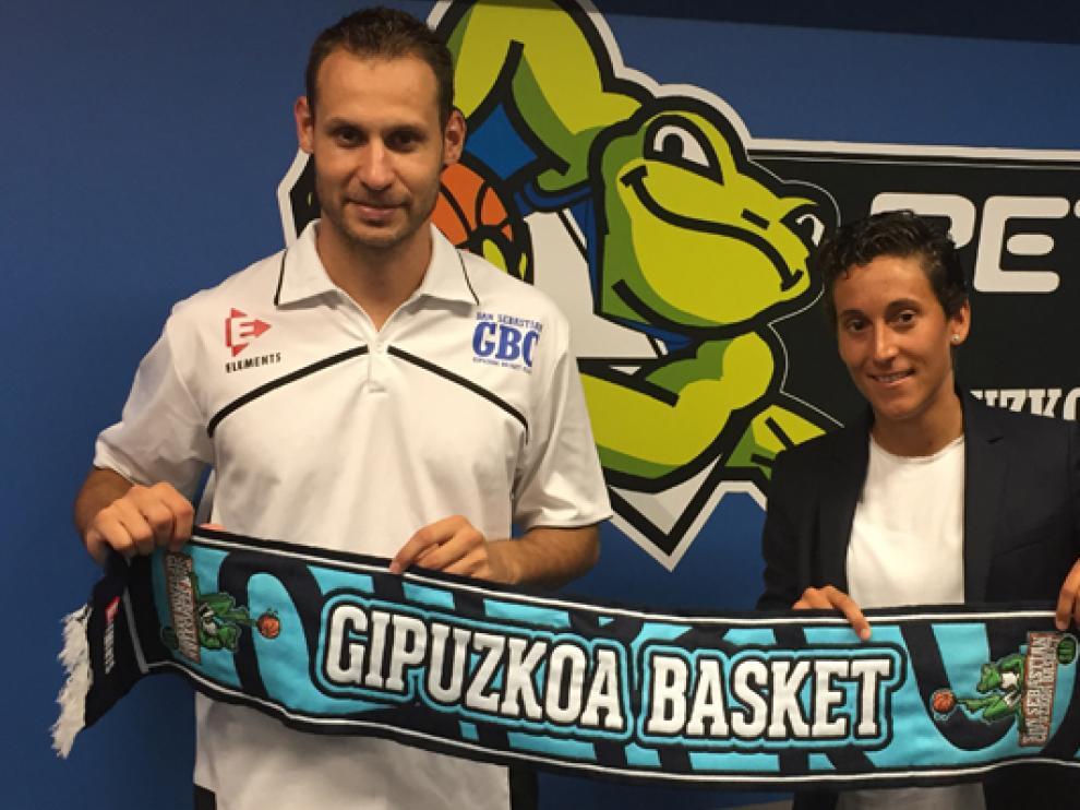 ?Llompart, durante su presentación como jugador del Gipuzkoa