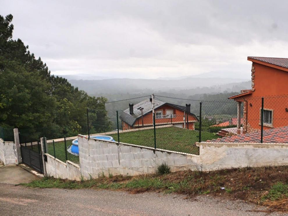 La Guardia Civil ha abierto una información reservada sobre el agente que ayer disparó en Ponteareas (Pontevedra) contra el batería del grupo de rock Los Piratas