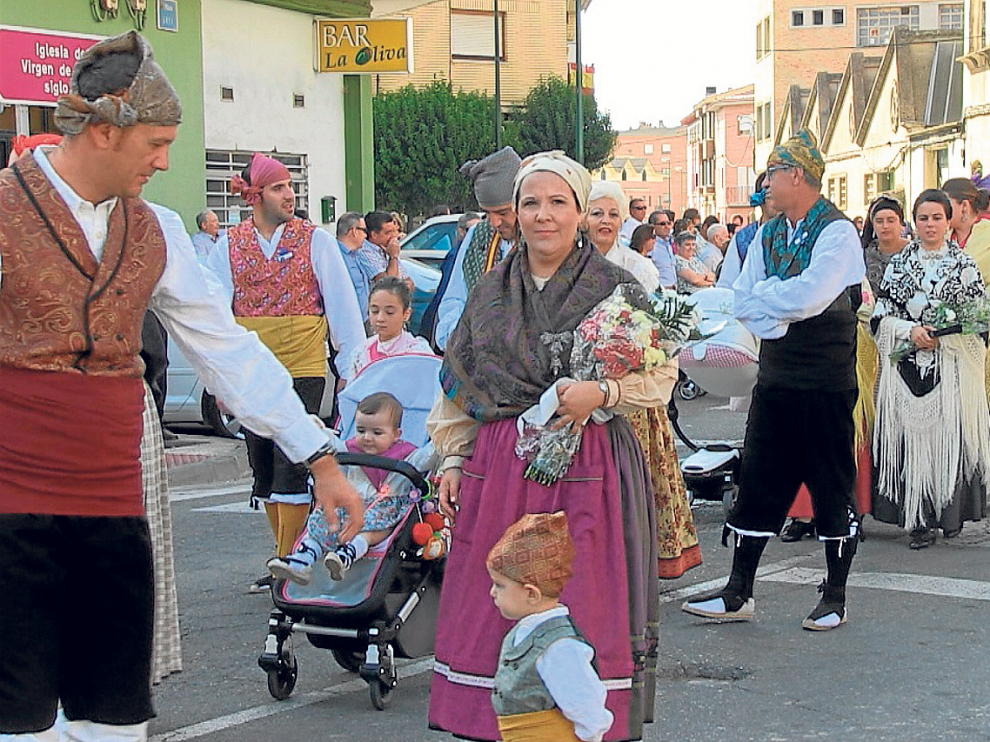 Foto archivo de la ofrenda floral a la Virgen de la Oliva
