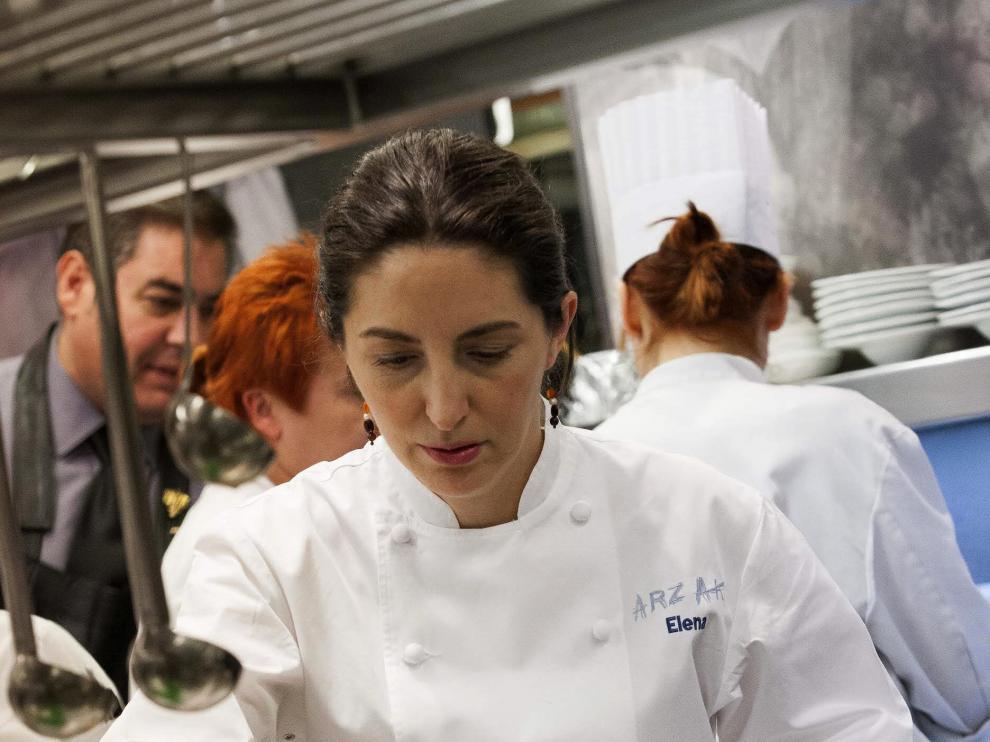 La cocinera Elena Arzak, cuarta generación de una saga dedicada con éxito a los fogones.