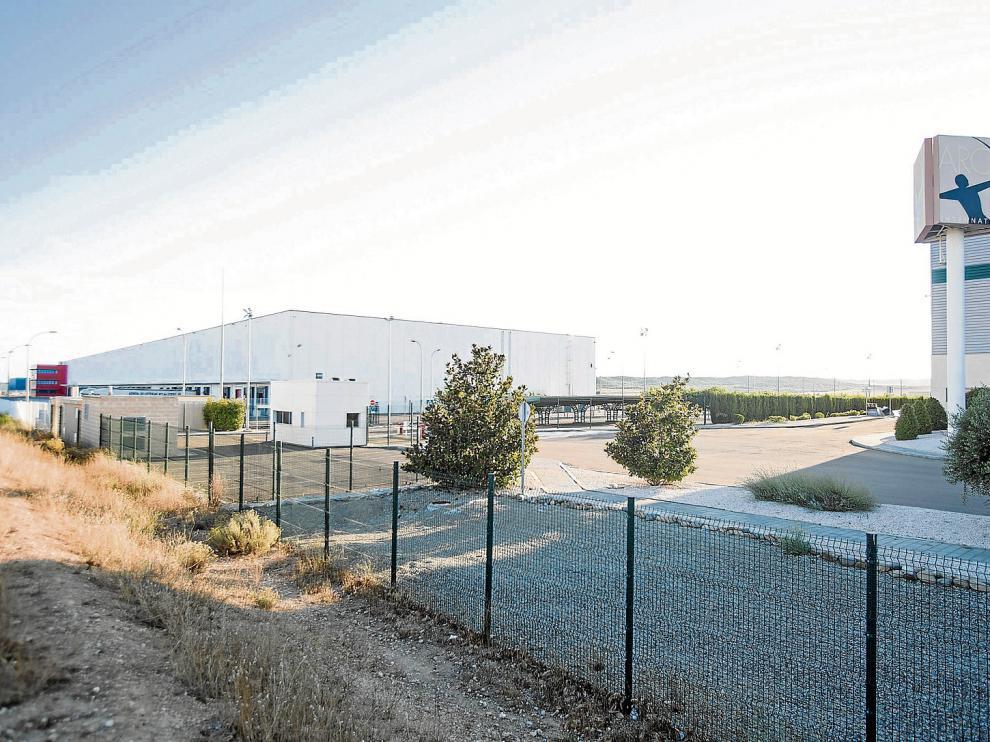 Vista del polígono industrial de la localidad zaragozana de Villanueva de Gállego, en el que se instalará el centro de la cadena DIA.
