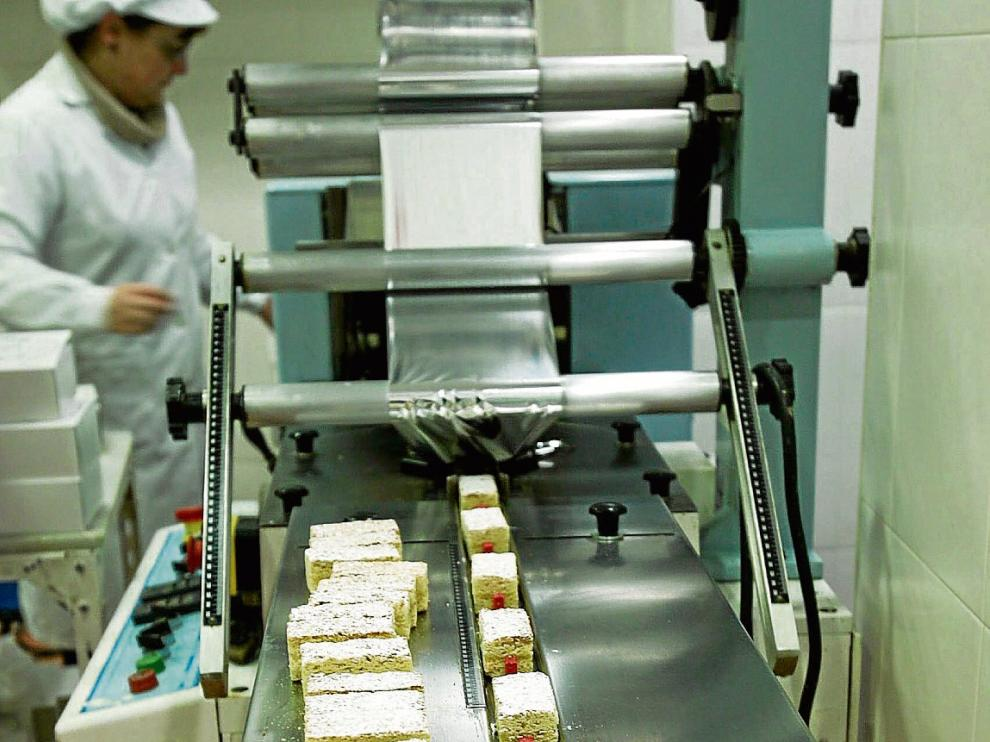 Obrador de la pastelería Albás, donde se elabora exclusivamente el pastel Biarritz.
