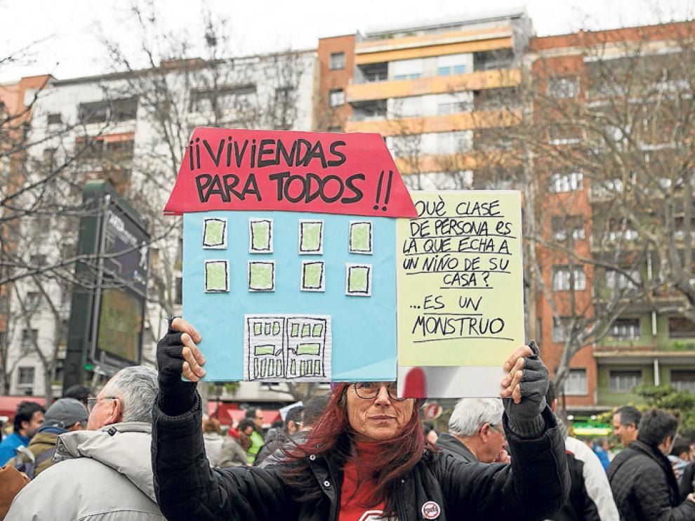 Reciente manifestación a favor del derecho constitucional a la vivienda de la Plataforma de Afectados por las Hipotecas de Aragón