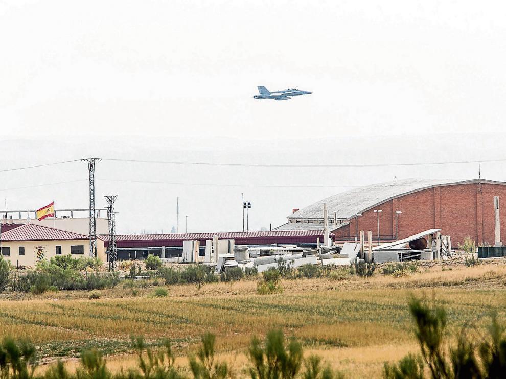 La OTAN monta el cuartel general de las supermaniobras en la base de Zaragoza