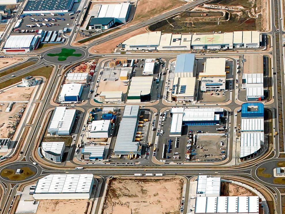 Imagen aérea del gran complejo logístico de Plaza, ubicado junto a la autovía de Madrid.