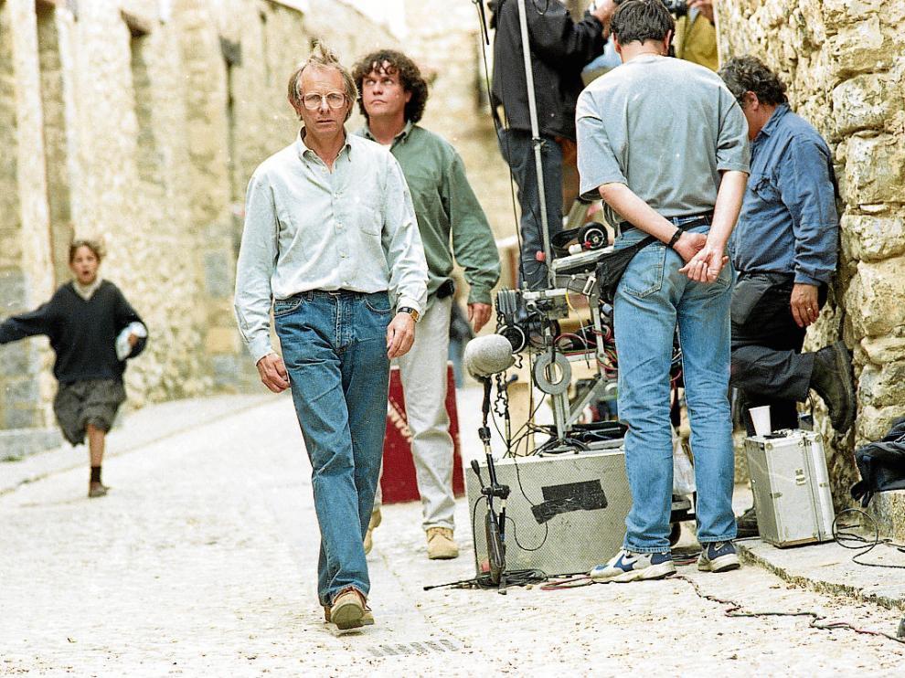 El director de la película, Ken Loach, durante la grabación del filme en las calles de Mirambel.