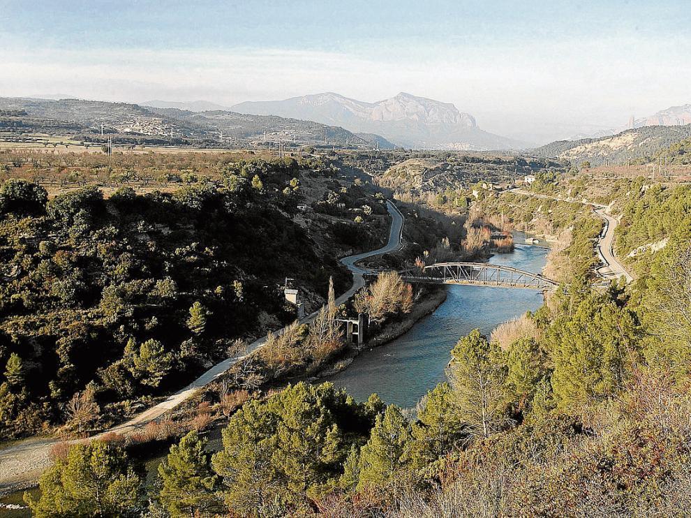 El puente de Santa Eulalia, que quedará bajo las aguas del embalse de Biscarrués.