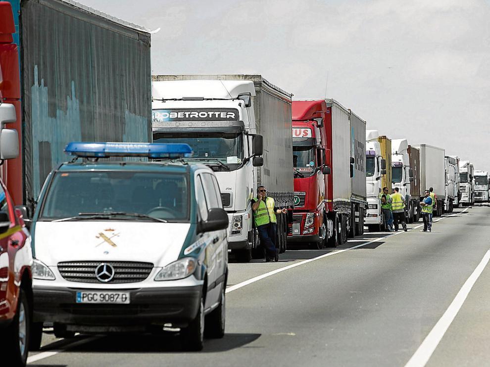 La N-232 soporta mucho tráfico de camiones, implicados en buena parte de los siniestros registrados.