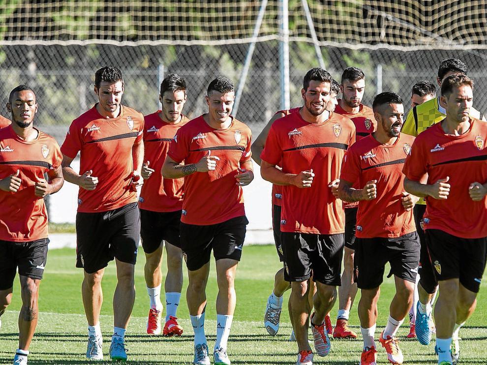 El Real Zaragoza, en su tercer año en Segunda, vuelve a ser favorito para el ascenso a Primera División.
