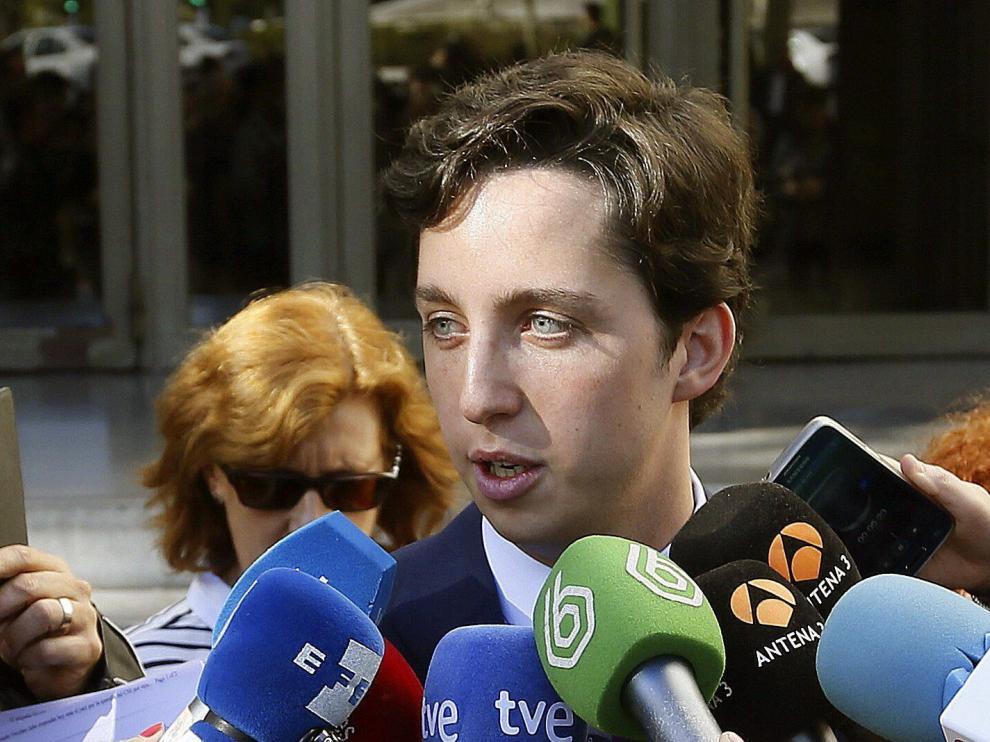 El pequeño Nicolás a la salida de los juzgados.