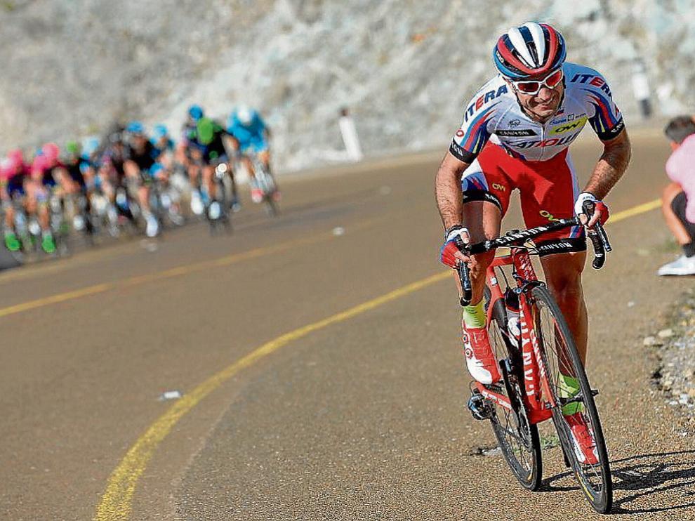 El ciclista aragonés Ángel Vicioso durante una prueba de esta temporada katusha