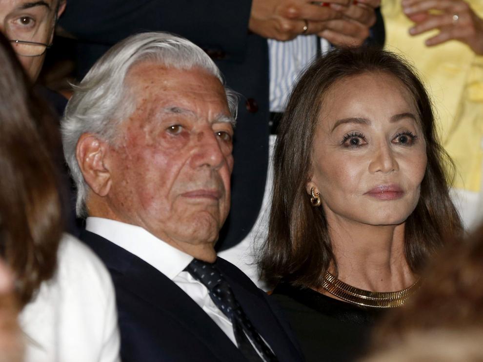 Preysler ha entrado al Real con Vargas Llosa.