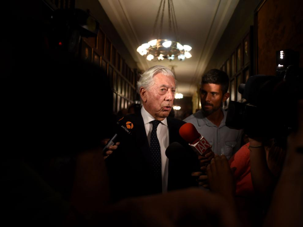 El escritor Vargas Llosa.