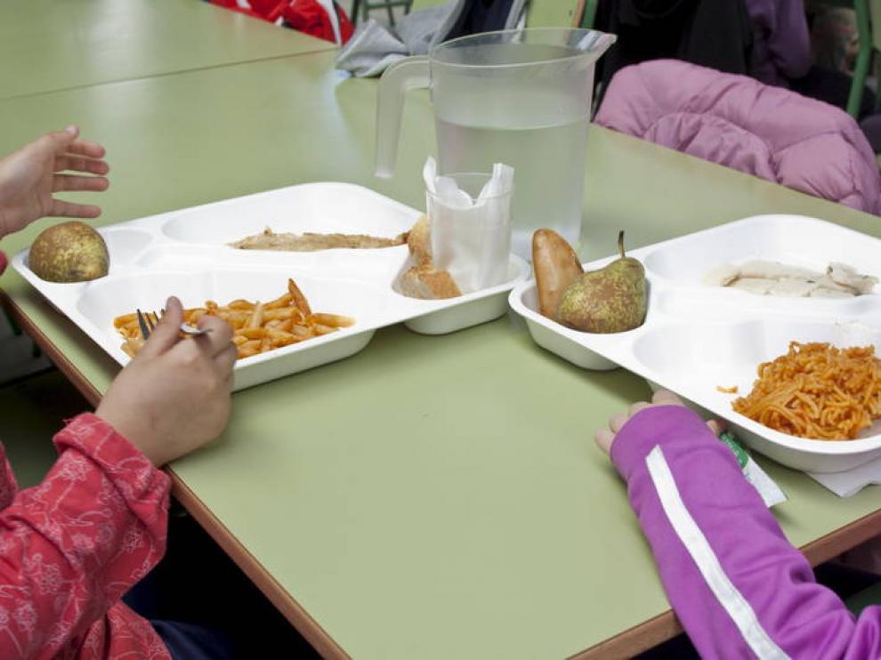 Un experto en nutrición defiende un acuerdo para mejorar menús en los colegios.