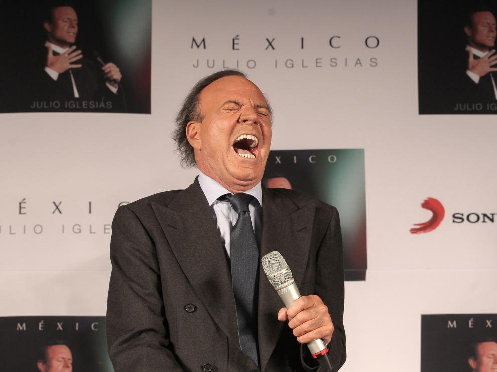 ?Julio Iglesias, en México presentando su primer disco grabado en español en 12 años.