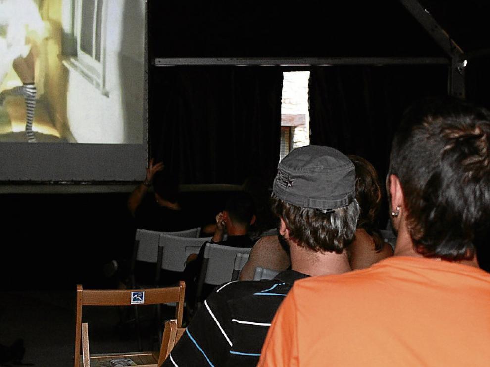 Una proyección en el festival Obuxo.