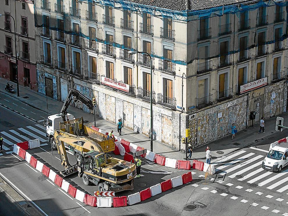 La cata comenzó ayer en el cruce entre el paseo de María Agustín y la avenida de Madrid.