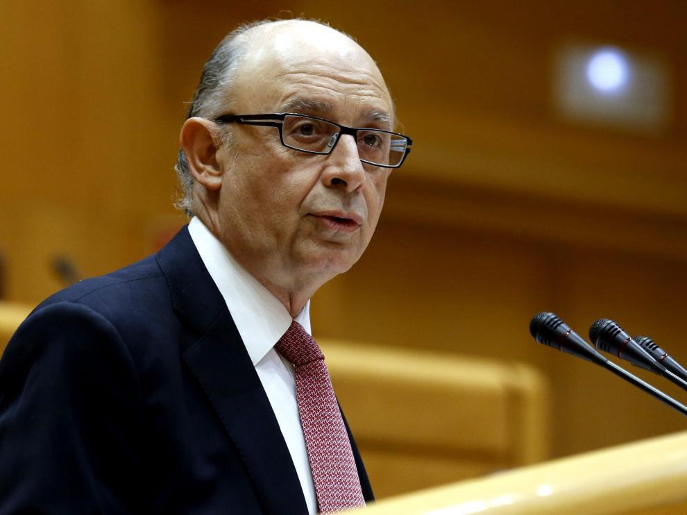 Cristóbal Montoro durante su intervención en el debate a los vetos presentados por toda la oposición al proyecto de Ley de Presupuestos.